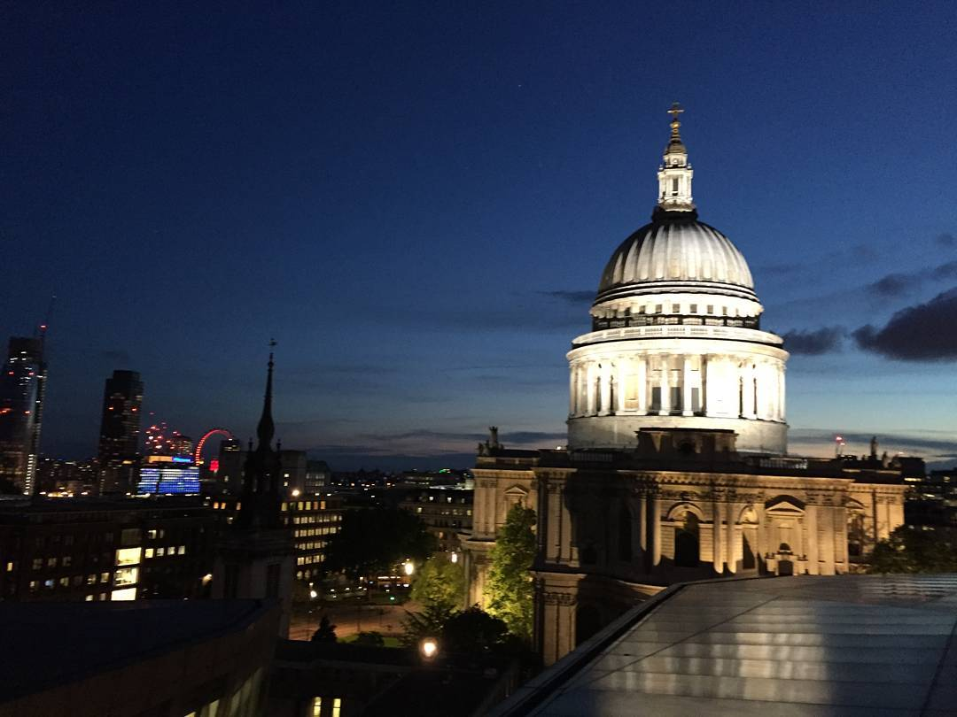 London last night. #london #stpauls #night #sky #cloud #photography #photooftheday #picoftheday #instapic #iphonephotography